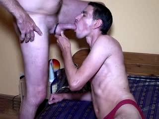 Gay ins Maul gespritzt